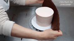 Leckere Kuchen verzierst du ganz leicht mit diesem Trick.