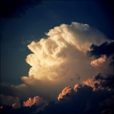 Rose-like cloud formation! Awesome!