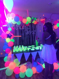 Sweet 16 Party Decorations, 16th Birthday Decorations, Party Decoration Ideas, 14th Birthday Party Ideas, Neon Birthday, Sweet 16 Party Themes, Glow In Dark Party, Summer, Hippie Birthday Party