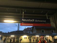 Zum Regio-Zug in den Schwarzwald