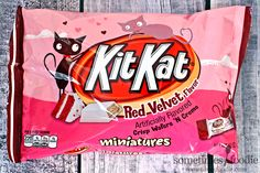 Jalapeno Cheetos, Cute Food, Yummy Food, Kit Kat Flavors, Kit Kat Bars, Red Velvet Recipes, Retro Candy, Grocery Items, Snack Recipes