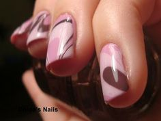An easy tutorial on marbling nails