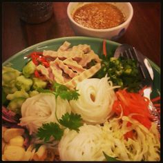 Thai rice noodle with full of toppings