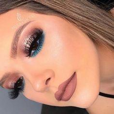 Salve a Imagem e Clique Maquiagem Perfeita: Curso de Maquiagem Online com Certificado! Gorgeous Makeup, Love Makeup, Makeup Inspo, Makeup Inspiration, Awesome Makeup, Glam Makeup, Makeup Art, Beauty Makeup, Highlighter Makeup