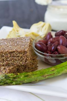 Flaxseed Focaccia Bread - no gluten, dairy, grains, flours. Just flax! | Healthful Pursuit