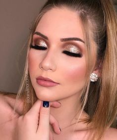 142 magnificent wedding makeup looks for your big day Make Up Tutorial simple and easy to emulate 14 Make Up Looks, Professionelles Make Up, Makeup Trends, Makeup Inspo, Makeup Inspiration, Christmas Makeup, Holiday Makeup, Wedding Hair And Makeup, Bridal Makeup