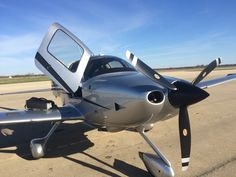 2015 Cirrus SR20 for sale in Chicago, IL United States => http://www.airplanemart.com/aircraft-for-sale/Single-Engine-Piston/2015-Cirrus-SR20/11677/