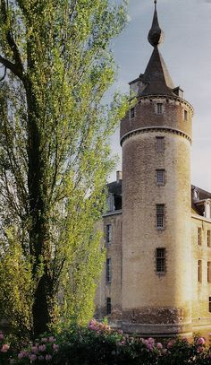 Axel Vervoordt's estate  Lets Go Castles Amazing discounts - up to 80% off Compare prices on 100's of Hotel-Flight Bookings sites at once Multicityworldtravel.com