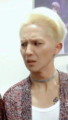 Why does he look so desperate . Winner Ikon, Mino Winner, Kang Seung Yoon, Song Minho, Kim Jin, Meme Pictures, Kpop, Bad Timing, Yg Entertainment