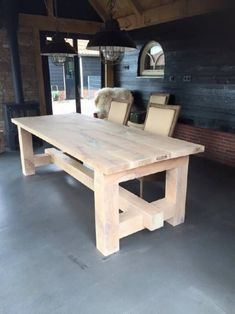 Ways To Decorate A diy farmhouse table to refresh your home – Farmhouse table diy Diy Furniture Plans, Woodworking Furniture, Furniture Projects, Rustic Furniture, Furniture Dolly, Cheap Furniture, Luxury Furniture, Wood Table Legs, Build A Farmhouse Table