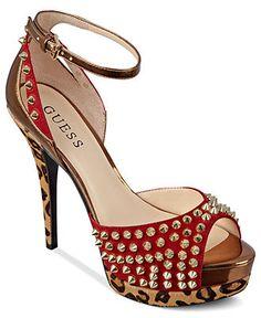 GUESS Women's Shoes, Gabinos Platform Pumps