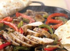 Cook This: Chicken Fajitas Our fajita recipe doesn't sacrifice the flavor or taste of high-calorie, high-fat restaurant versions. It just makes this sizzling favorite much healthier