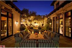 Outdoor Ambiance.