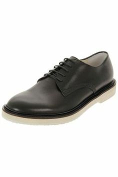 Leather classic laced shoes with rubber sole by Gucci