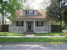 Nicely updated 1,254 sq.ft., 1 1/2 story home in Collinsville. The 3 bedroom, 2 bath home comes with an open, airy kitchen, a full basement, and a detached 2-car garage. Listed at $74,800. For more information, please visit http://christah.remax.com/listings/listingdetail_r4.aspx?LID=102740188