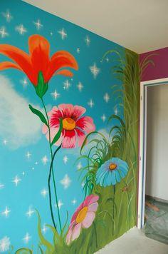 Détail de la fresque murale de la chambre de la Fée Clochette