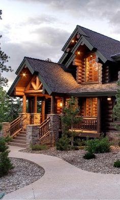 19 casas de troncos hermosas y locas que te darán una seria fiebre de cabaña, Chalet Modern, Log Home Living, Living Room, Log Cabin Homes, Log Cabins, Mountain Cabins, Mountain Homes, Dream House Exterior, Log Homes Exterior