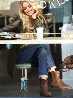 spot the cowgirl out at a cafe for her latte! Beautiful Life, love these boots!