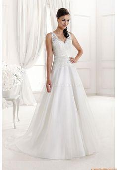 V-neck A-linie Schlichte Brautkleider Hamburg aus Softnetz mit Spitze