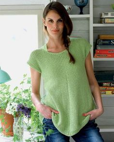 Flot top i A-facon (in Danish) Crochet Shirt, Knit Crochet, Knitting Patterns Free, Knit Patterns, Summer Knitting, How To Purl Knit, Knitting For Beginners, Facon, Top Pattern