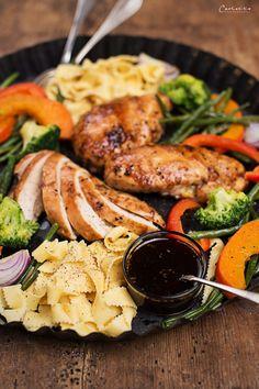 Teriyaki Hühnerfilets mit Gemüse, Gemüse, Nudeln, Pasta, Teriyaki, asiatisch, asiatisches Rezept, Hauptspeise, Huhn, Hühnerbrust, Hühnerfilet, Rezept mit Huhn,