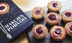 Runebergintortuista voi tehdä myös pienempiä torttusia. Ruokatoimittaja Petra Tuominen kertoo, miksi se kannattaa. Sweet Bakery, Sweet And Spicy, Mini Cupcakes, Food Photo, Baking Recipes, Sweet Tooth, Cheesecake, Deserts, Brunch