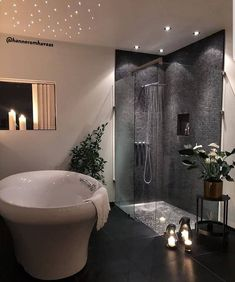 With the change of the season, many homeowners feel inspired to decorate and remodel their homes. To help you with your spring interior design efforts, I share my top ten decorating tips and tricks to help you decorate like a pro! Modern Bathrooms Interior, Bathroom Design Luxury, Modern Bathroom Decor, Home Interior Design, Bathroom Designs, Decoration Design, Deco Design, Bad Inspiration, Bathroom Inspiration