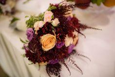 Adina si Robert sunt unul dintre cuplurile care au decis sa isi faca partea de cununie civila in aceasi zi. Aceasta s-a desfasurat la starea civila sector 3. Alaturi de prieteni dragi cei doi au ales sa spuna DA pentru tot restul vietii si si-au dorit bineinteles ca acest moment sa fie suprins in fotografii. Wedding Bouquet Wedding Flowers Pink Flowers Pink Roses Buchet Mireasa, Buchet Trandafiri, Trandafiri Roz Wedding Bouquets, Floral Wreath, Wedding Photography, Wreaths, Decor, Floral Crown, Decoration, Wedding Brooch Bouquets, Door Wreaths