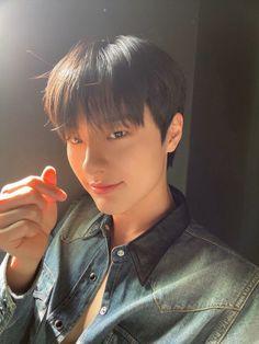 Likes, 86 Comments - Cho Seungyoun Korean Boy Bands, South Korean Boy Band, Selfies, Yohan Kim, Love Challenge, Yuehua Entertainment, Kpop Boy, K Idols, Boyfriend Material
