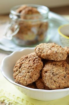 Diós-almás zabkeksz recept - Kifőztük, online gasztromagazin Healthy Cookies, Healthy Snacks, Healthy Life, Sweet Desserts, Sweet Recipes, Diet Cake, Vegetarian Recipes, Healthy Recipes, Drink Recipes