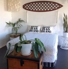 Boho Beach Styling with Kawaiian Lion and Island Collective Leilani Decorative Surfboard Art