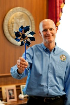 Florida Gov. Rick Scott shows his support of Child Abuse Prevention Month! #PinwheelsforPrevention