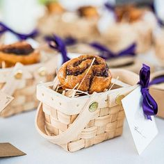 Easy, cheap fun wedding favor gift ideas #affordableweddingfavorideas