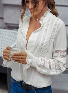 Shop Floryday for affordable Tops. Floryday offers latest ladies' Tops collections to fit every occasion. Latest Fashion For Women, Latest Fashion Trends, Jeans Und Sneakers, Long Blouse, Blouses For Women, Ladies Blouses, Women's Blouses, White Blouses, Chiffon Blouses