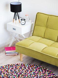 Nykyaikaista muotoilua ja upeaa valaistusta! Tämä pöytävalaisin herättää sisustuksesi henkiin.  Beliani.fi #beliani #belianisuomi #valaistus #sisustus #sisustusinspiraatio #homedecor #design Beliani, Decor, Couch, Chaise Lounge, Furniture, Lounge, Futon, Chaise, Home Decor
