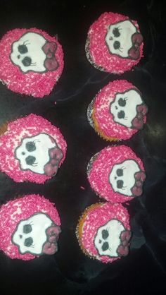 Monster high cupcakes I Made