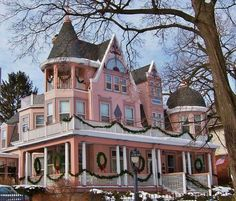 Victorian at Christmas…. ▇ #Home #Design #Architecture http://www.IrvineHomeBlog.com/HomeDecor/ ༺༺ ℭƘ ༻༻ Christina Khandan - Irvine California