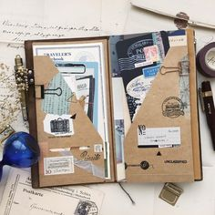 Midori Traveler's Notebook ideas and layouts. Inspiration for keeping a travel journal, art journal or scrapbook Envelope Scrapbook, Travel Journal Scrapbook, Travel Journal Pages, Travel Journals, Diy Scrapbook, Scrapbook Layouts, Scrapbook Cover, Scrapbook Photos, Mini Scrapbook Albums