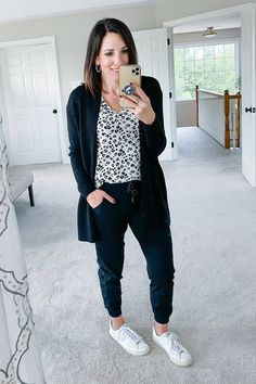 How to style sneakers and joggers for a stay at home outfit. How To Wear Sneakers, Joggers Outfit, Animal Print Outfits, Home Outfit, Autumn Fashion, Bomber Jacket, Normcore, Stylish, My Style