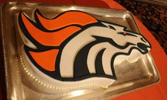 This Broncos groom's cake looks too good to eat! Broncos Gear, Denver Broncos Baby, Go Broncos, Broncos Fans, Armadillo Cake, Super Bowl Weekend, Nfl, Next Wedding, Piece Of Cakes