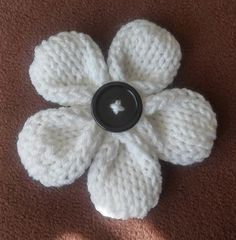 Five Petal Flower | Loom Knit Pattern One of the best loom knit ...