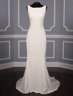 This 100% Authentic, New Amsale Heather A673 wedding dress is definitely a show-stopper!  The fit and flare silhouette of this gown makes it very elegant & even a little bit sexy! The low sheer back completes the look! Now up to 90% Off Retail! #amsale