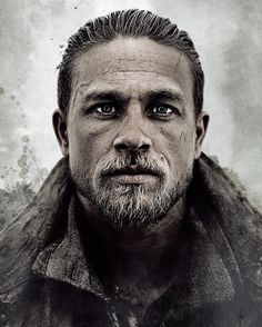 A gallery of King Arthur: Legend of the Sword publicity stills and other photos. Featuring Charlie Hunnam, Guy Ritchie, Jude Law, Djimon Hounsou and others. The Sword, Charlie Hunnam King Arthur, Charlie Hunnam Soa, Sons Of Anarchy, Sherlock Holmes, King Arthur Legend, Roi Arthur, Guy Ritchie, Jax Teller