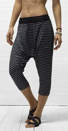 I'm not totally confident that I know what these pants are for, but I think I like them. Nike Tadasana Capris. #gear #style #nike