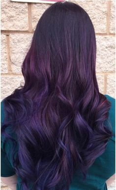 Pin by Nicolette Psomas on Hair Beauty Nails in 2019 Deep Purple Hair, Violet Hair, Pink Hair, Hair Color Balayage, Ombre Hair, Hair Colour, Mom Hairstyles, Haircuts, New Hair Look
