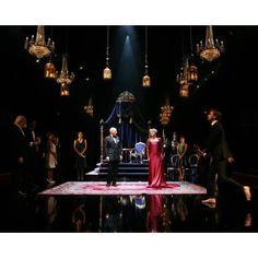Hamlet scene design: Royal Shakespeare Company