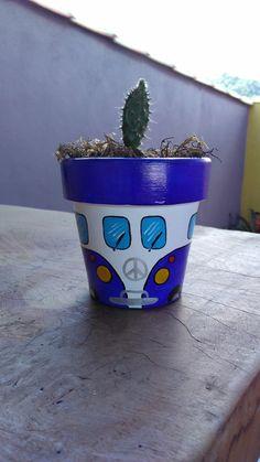 Vasinho by Cida Sales Arte Designer Recycle Art, Pot Plants, Painted Pots, Flower Pots, Beautiful Flowers, Cactus, Recycling, Drawings, Fun