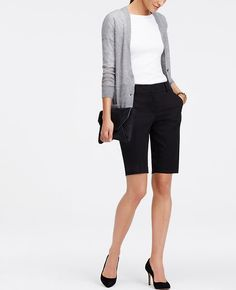 """Dressed+up+or+down,+these+polished+cotton+twill+walking+shorts+are+nothing+short+of+perfect.+Our+curvy+fit,+fuller+through+your+hips+and+thighs.+Contoured+waistband.+Front+zip+with+double+hook-and-bar+closure.+Belt+loops.+Front+off-seam+pockets.+Back+besom+pockets.+11""""+inseam."""