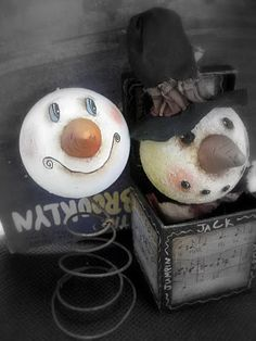 kimmykats: old bed spring snowmen