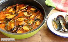 Mejillones con tomate a la marinera. Receta con fotos paso a paso de la elaboración y presentación. Trucos para hacer la salsa. Guiso marinero de pescado